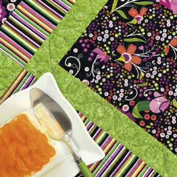 Whimsy Summer Table Topper and Napkin Rings