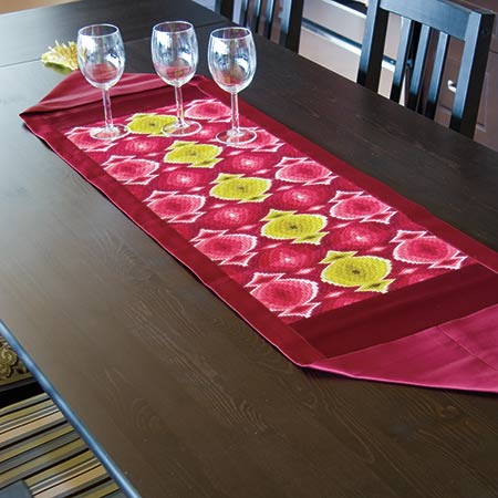 Bolo Bargello Table Runner