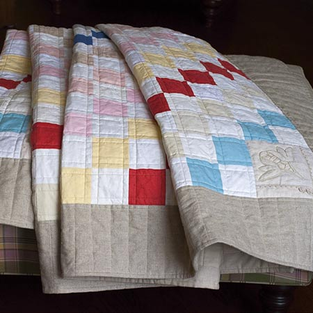 Living in Linen quilt