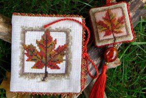 Maple Glory Needlework Set detail