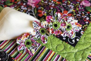Whimsy Summer Table Topper and Napkin Rings detail