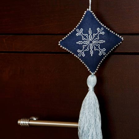 Sardinian Knot Stitch Snowflake Ornament