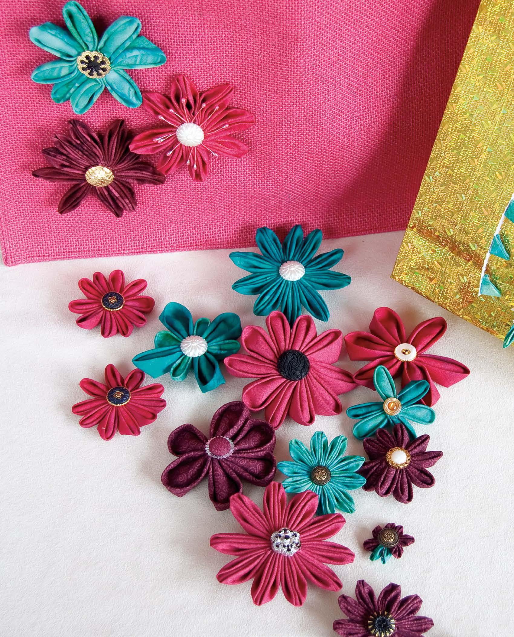 Flowerz Kanzashi Petals Pattern - Festive 2011