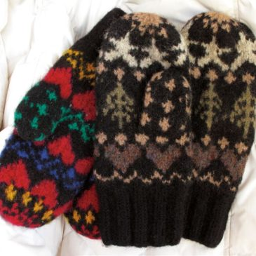 Heart and Tree Mittens